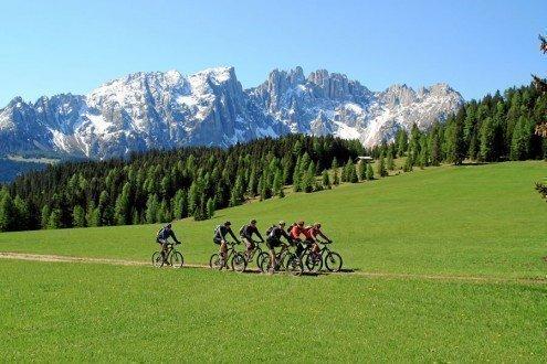 Vacanze all'insegna delle escursioni e delle gite in bici nel patrimonio mondiale dell'UNESCO